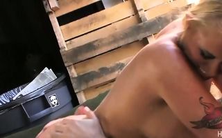 horny food truck owner getting milf pussy slammed