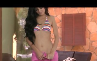 breathtaking bikini clad brunette zoey kush