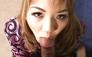 kinky tesing oriental slut in leather boots sucks