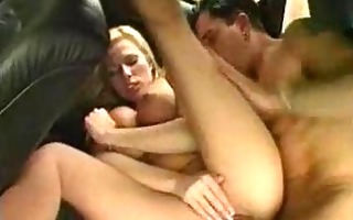 after meeting at a bar those two have sex in a car