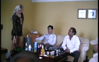 lets have threesome drunks and fuck this honey -