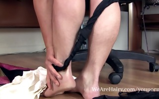 bushy valerie plays with her hirsute wet crack at