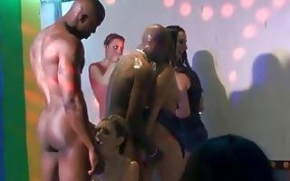 bitches got wet from niger schlong